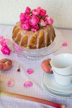 Rhabarber - Pfirsich - Kuchen #ichbacksmir #rührkuchen