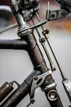 i suspect it's an old raleigh bicycle with brake rods