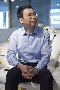 JD.com punta sul design made in Italy / Video - Intervista a Mister Lijun Xix, Presidente del colosso cinese JD.com. Abbiamo parlato di e-commerce, contraffazione, design e made in Italy. - Read full story here: http://www.fashiontimes.it/2016/04/jd-com-punta-design-made-italy/