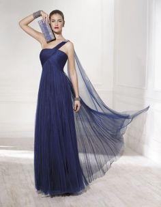Rochii de ocazie/Rochii de petrecere Ideias Fashion, One Shoulder, Couture, Formal Dresses, Diva, Blue Gown, Shades, Weddings, Bridal Gowns