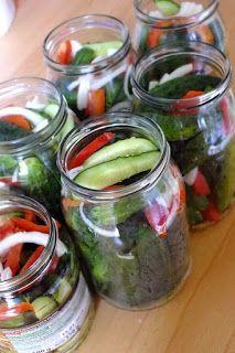 z cukrem pudrem: ogórki marynowane z papryką i cebulką Tasty, Yummy Food, Pickles, Cucumber, Food And Drink, Delicious Food, Pickle, Zucchini, Pickling