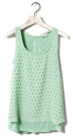 Perforated Square Top, Pull and Bear I am obsessed with this colour! Green Tank Top, Green Shirt, Green Tops, Athletic Tank Tops, Cute Outfits, Top 14, My Style, Womens Fashion, How To Wear