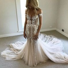 If your dream dress is haute couture and out of your price range have an inexpensive #replicadress made for less with our #weddingdress firm www.dariuscordell.com