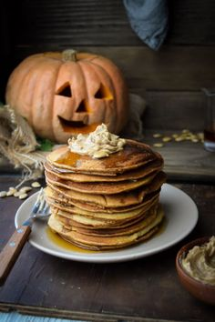 "guardians-of-the-food: "" Honey Whole Wheat Pumpkin Pancakes with Maple Cinnamon Butter "" Pumpkin Recipes, Fall Recipes, Sweet Recipes, Vegan Recipes, Food Styling, Pumpkin Spice Pancakes, Oatmeal Pancakes, Cinnamon Butter, Nut Butter"