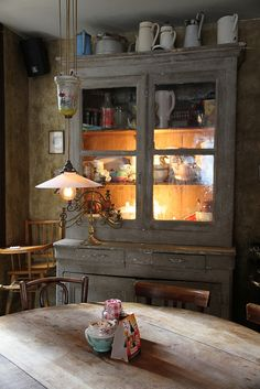 L'Epicerie - Bistrot à Tartines by solutionsoap, via Flickr / Country style decor