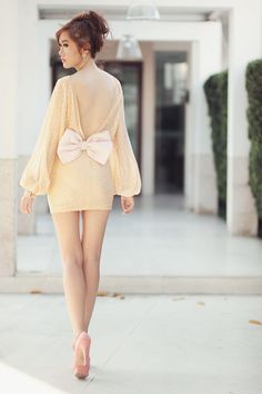 LOVE this and love the bow... Maybe a little bit longer for us girls who are tall with ling legs. but still love