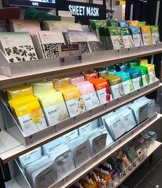 Beauty Care, Beauty Skin, Cosmetic Shop, Makeup Store, Japanese Aesthetic, Store Displays, Skin Cream, Skin Makeup, Store Design