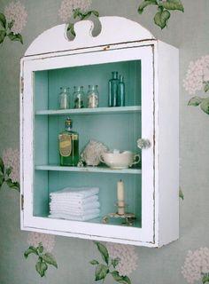 Um acessório de casa de banho ideal para uma casa de banho rústica com um pouco de cor!
