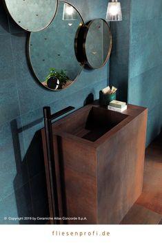 A treasure chest of colour - Atlas Concorde Metallic Wall Tiles, Azul Vintage, Interior And Exterior, Interior Design, Treasure Chest, Decoration, Room Decor, Mirror, Bathroom