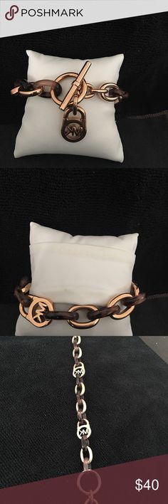 FREE SHIPPING!!! MK ROSE GOLD TOGGKE LINK BRACELET Rose gold MK LINK  Worn twice  Matches both watches listed for sell KORS Michael Kors Jewelry Bracelets