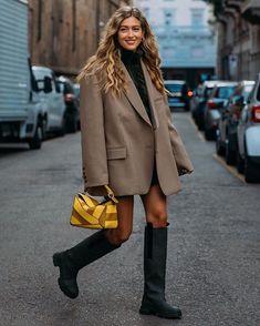 Look Street Style, Street Looks, Mode Rihanna, Rainy Day Fashion, Winter Stil, Fashion Outfits, Womens Fashion, Autumn Winter Fashion, Winter Outfits
