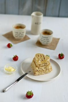 Vegan crumpets - Kitchen Hoopla #vegan #crumpets #breakfast