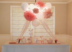pretty table decor!