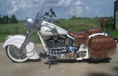 2000 Indian Chief Motorcycle - Pearl White.