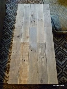 etté studios: Shipping Pallet Coffee Table
