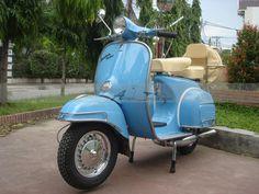 Image from http://i00.i.aliimg.com/photo/v4/137135246/Vintage_Vespa_Scooters_150_VBC_Super_1967.jpg.