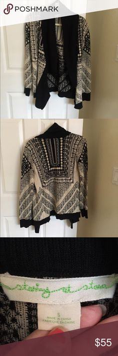 """Urban outfitters intarsia drape cardigan Urban outfitters oversized cardigan. Brand is """"staring at stars"""" by UO. Comfy and soft for layering! Worn once. Urban Outfitters Sweaters Cardigans"""