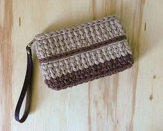 Crocheted Clutch from Sândalo e Cedro - Beige and Brown