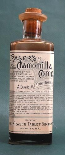 1900 Antique Frasers Chamomilla Nerve Tonic Bottle w Contents Quack Medicine Old Medicine Bottles, Antique Bottles, Vintage Bottles, Vintage Tins, Bottles And Jars, Antique Glass, Glass Bottles, Images Vintage, Tapas