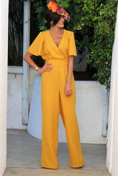 I dont normally like jumpers but this one right here is changing my mind. Yellow Jumpsuit, Outfits For Teens, Cool Outfits, Casual Outfits, Overalls Fashion, Fashion Outfits, Dress Skirt, Dress Up, Outfit