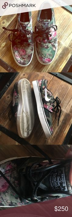 NIKE: RARE FLORAL STEFAN JANOSKI SNEAKERS  in near perfect condition only worn a few times. men's 6.5 women's 8. very rare and hard to find! Nike Shoes Sneakers