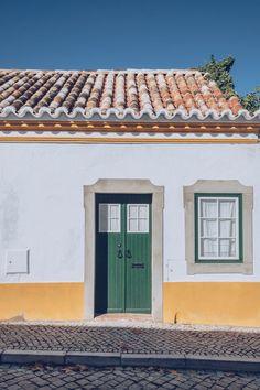 Refuse to hibernate Portugal Tavira porte verte Algarve, Brazilian Portuguese, Rural House, Voyage Europe, European Vacation, Wonders Of The World, Places To Go, Real Estate, Architecture