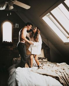 In this series at great inspire you are see interesting pictures of engagement photos. Every couple has unique engagement photo ideas. Photo Couple, Love Couple, Couple Shoot, Playful Couple, Couple Bed, Cute Relationships, Relationship Goals, Couple Goals, Images D'engagement