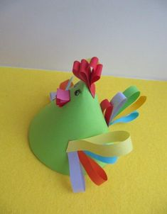 Toilet Paper Roll Crafts - Get creative! These toilet paper roll crafts are a great way to reuse these often forgotten paper products. Preschool Crafts, Easter Crafts, Easy Crafts For Kids, Art For Kids, Paper Animal Crafts, Kid Friendly Art, Circle Crafts, Chicken Crafts, Toilet Paper Roll Crafts
