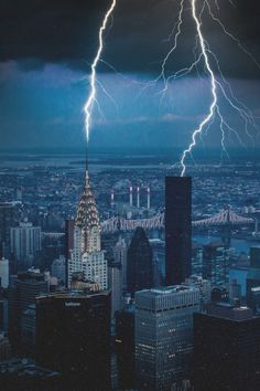 Lightning NYC by Frank Hazebroek - The Best Photos and Videos of New York City including the Statue of Liberty, Brooklyn Bridge, Central Park, Empire State Building, Chrysler Building and other popular New York places and attractions. #BestCities