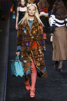 Fendi Fashion Show Ready to Wear Collection Fall Winter 2016 in Milan
