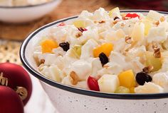 Make a delicious Christmas apple salad for dessert for this Christmas dinner. Surprise everyone and enjoy the Christmas season! Beer Recipes, Mexican Food Recipes, Dessert Recipes, Cooking Recipes, Healthy Recipes, Christmas Potluck, Christmas Desserts, Christmas Treats, Guatemalan Recipes