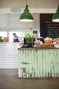 J'aime les différents style dans la cuisine :)  The Stables Of Como