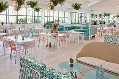 Restaurante: cores frescas e claras