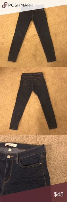 Calvin Klein Jeans Dark wash mid rise legging fit. Snug overall fit. Great condition! Calvin Klein Jeans Jeans Skinny