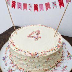 Happy birthday! - 4 Jahre und ein Regenbogenkuchen / Geburtstagskuchen / 4. Geburtstag / www.loloundtheo.blogspot.de