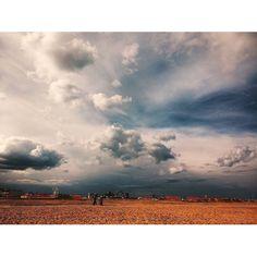 #rimini #beachcamp #beachvolley #3days #workout #clouds #cloudscape #cloudy #cloudysky #sky #beach #passion #contrast #light #afternoon by valentina_bonatti