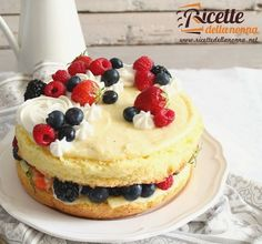 Torta bianca con crema pasticciera e crema al burro  http://ift.tt/29dfhM3 #torta #cremapasticcera #cake #tortadicompleanno #cremadiburro #vsco #foodstyle #food #cooking #foodstagram #follow #followme #instagood #instalike #instadaily #recipe #italianrecipe #italianfood #ricettedellanonna #love #happy #italy #passione #fotooftheday #foodblogger #chef #beautiful #foodgasm #foodporn #vscofood