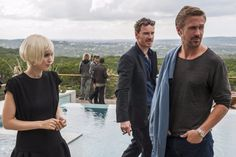 """Broad Green Pictures has unveiled the official trailer for """"Song to Song"""" directed by Terrence Malick, starring Ryan Gosling, Rooney Mara, Michael Fassbender, Natalie Portman and Cate Blanchett."""