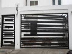 Resultado de imagen para porton herreria minimalista #fachadasminimalistaspequeñas Front Gate Design, House Gate Design, Door Gate Design, Window Grill Design Modern, Modern Design, Metal Garage Doors, Modern Kitchen Tables, Front Gates, Main Door