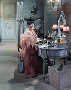 """Natalie Wood as Gypsy Rose Lee Bouidior in the movie """"Gypsy."""" One of two favorite Natalie movies. The costumes on her are so beautiful. (So is her body - amazing! Love Vintage, Vintage Glamour, Vintage Beauty, Vintage Style, Vintage Fashion, 1920s Style, Vintage Vibes, Vintage Lingerie, Retro Style"""