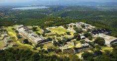 Xochicalco es un sitio arqueológico que se ubica en el Municipio de Miacatlan en el estado de Morelos, México, a 38 km al sudoeste d...