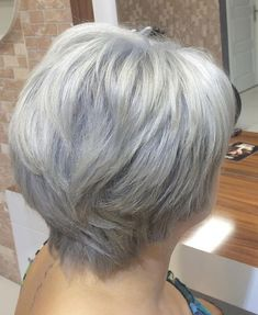 Short To Medium Layered Gray Hairstyle Short Grey Hair, Short Hair With Layers, Short Hair Cuts For Women, Layered Hair, Short Hair Styles, Layered Bobs, Hairstyles Over 50, Hairstyles For Round Faces, Hairstyles Haircuts