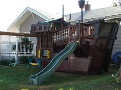 Pretty sure my husband needs to build this or something similar for the boys!!! Love the pirate ship