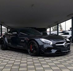 Mercedes - Black Out