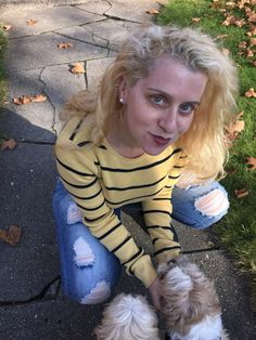 Preppy yellow sweater // This wife wouldn't be caught dead wearing mom jeans the Cyber Week edition Read more at http://marriedmysugardaddy.com/cyber-week-fashion-deals-for-women/