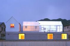 House in Yamasaki is an Energy Efficient and Naturally Daylit Greenhouse Home