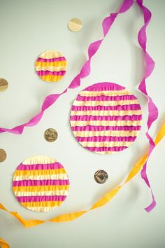 DIY crepe paper fringe backdrop... in circles