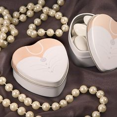 Our heart shaped favor tins are the perfect choice for packaging favors for love themed events. Fill each favor container with pastel Jordan almonds, candy, mints, or other goodies and give them to guests of bridal showers, wedding receptions, and anniversary celebrations. Add a special touch with a personalized message on one of our labels.  Each aluminum tin has a silver matte finish with a clear acetate cover. Do It Yourself Wedding, On Your Wedding Day, Wedding Bride, Elegant Wedding, Bride Groom, Movie Wedding, Unique Wedding Favors, Wedding Party Favors, Wedding Gifts