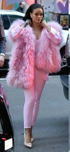 Rhianna in all pink...!