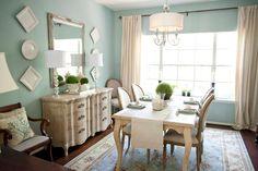 Amazing dining room!   Amanda Carol Interiors